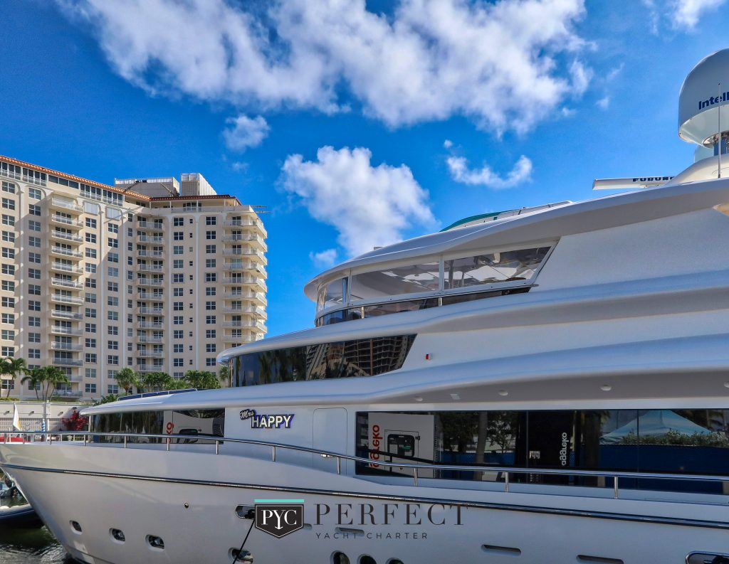 Fort Lauderdale Boat Show - PerfectYachtCharter.com 38_HDR