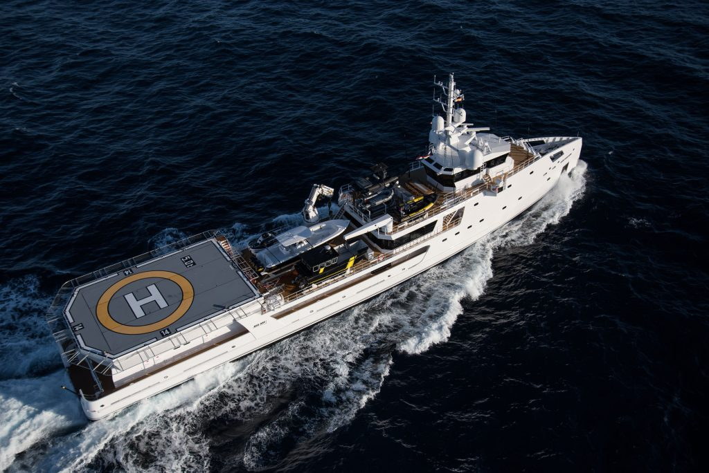 DAMEN-GAME-CHANGER yacht support